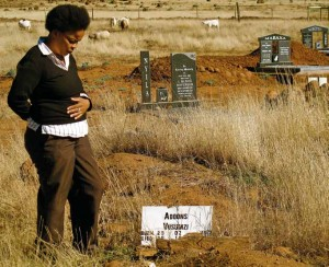 Mavis at Vusumzi's grave