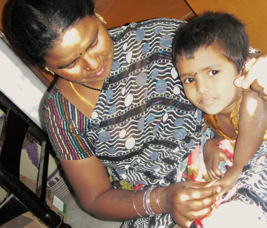 Sri Lakshmi, a recently released forced labourer, and her four-year-old daughter Amlu. Credit: Stella Paul/IPS